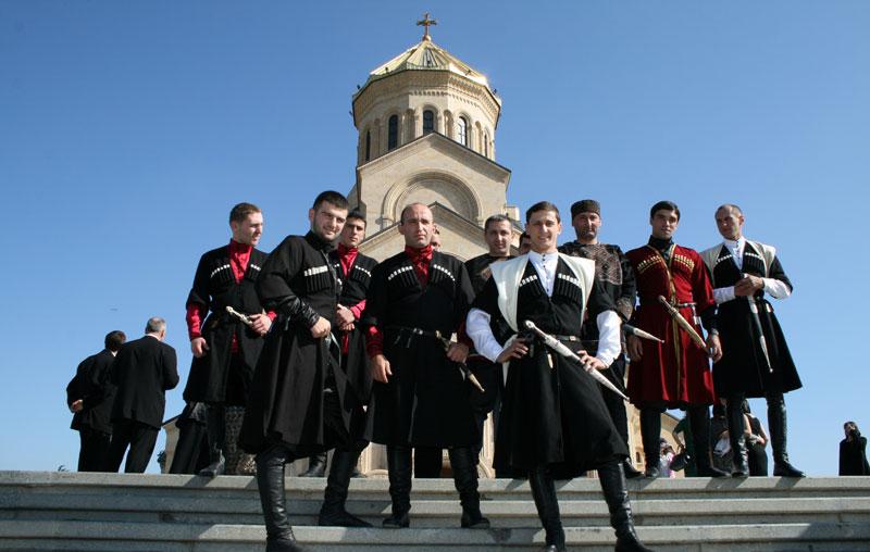 pochemu-kavkazskim-muzhchinam-nravyatsya-russkie-zhenshhiny